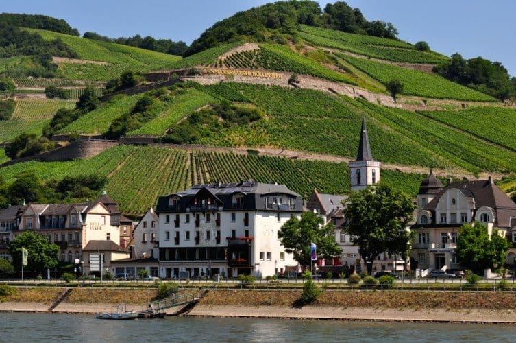 Along the Scenic Rhine - 060