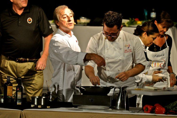 8-Chefs Compete - 22
