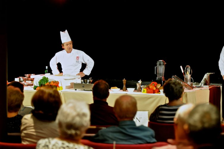 Cooking Demo - 058