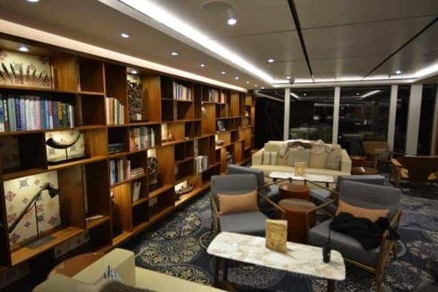 Explorer's Lounge - 10
