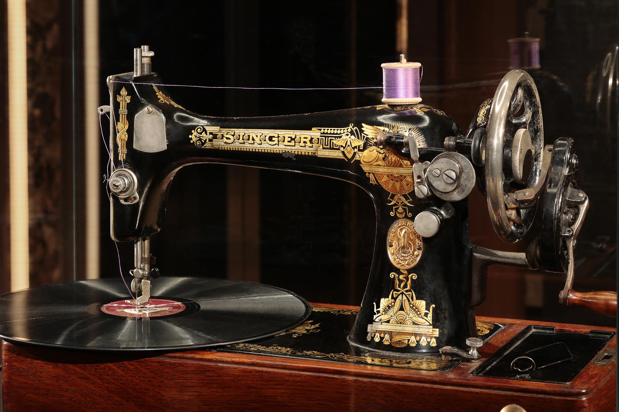 Artwork – Sewing Machine